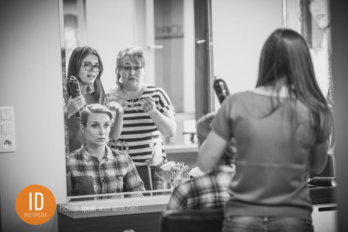 Milena z Mamą u fryzjera