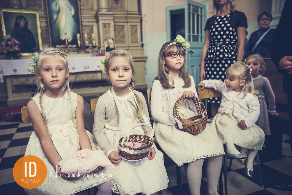 Dzieci na ślubie Mileny i Daniela