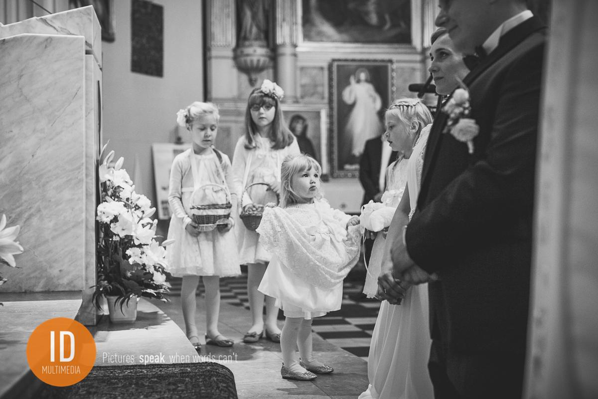 Dzieci na ślubie Mileny i Daniela zdjęcia ślubne