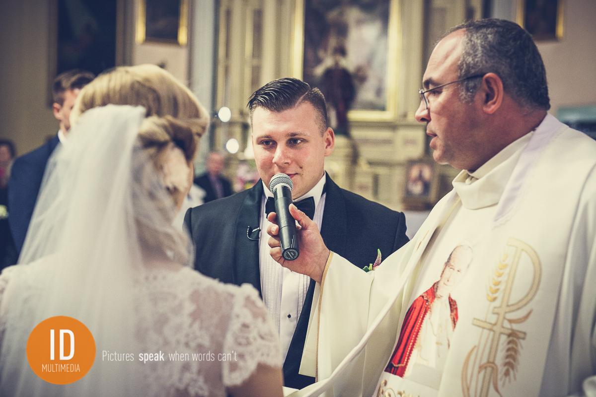 Składanie przysięgi małżeńskiej