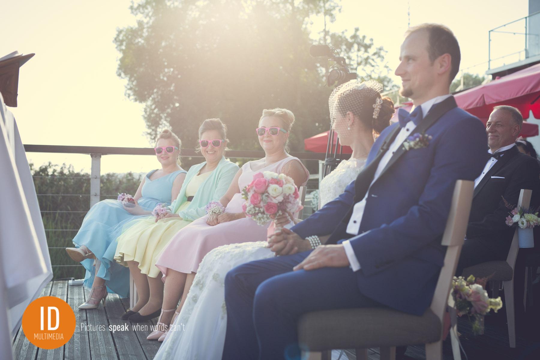 Ślub kościelny nad jeziorem