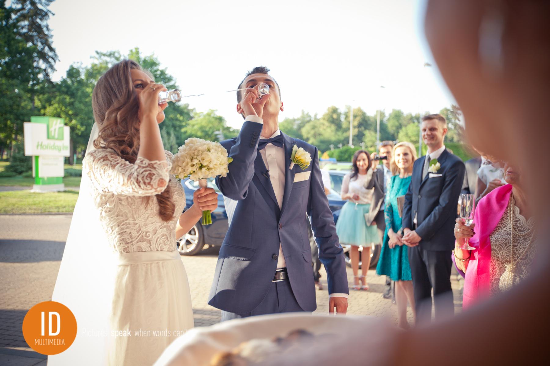 Do dna toast najlepsze zdjęcia ślubne