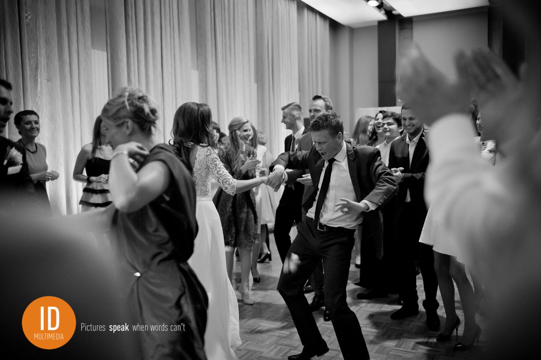 Zabawa na weselu super zdjęcia ślubne