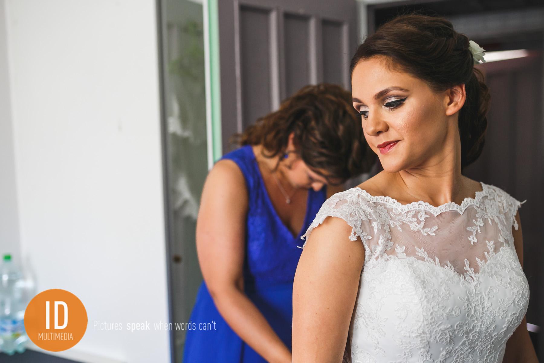 zdjęcia ślubne Sylwii i Jakuba przygotowania Sylwii